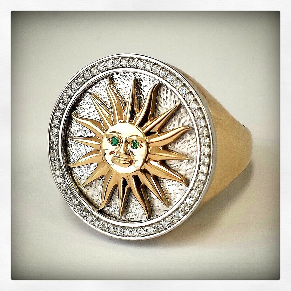 Henry's Gold Ring set with Diamonds and Emeralds