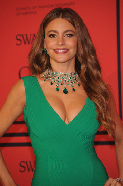 Sofia-Vergara-Herve-L-Leroux-Couture-2013-CFDA-Fashion-Awards-3-EMERALDS