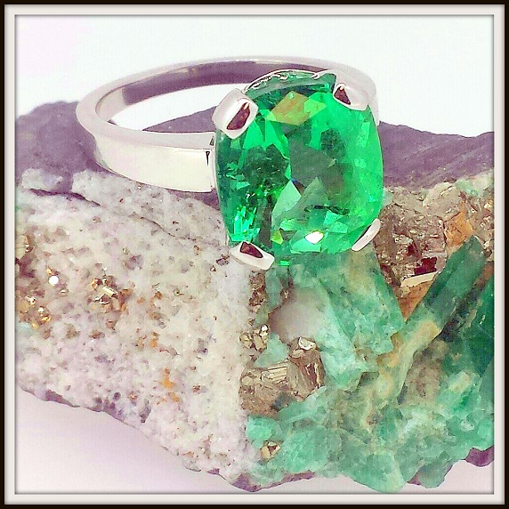 Cushion Cut Emerald Ring TO Final 3