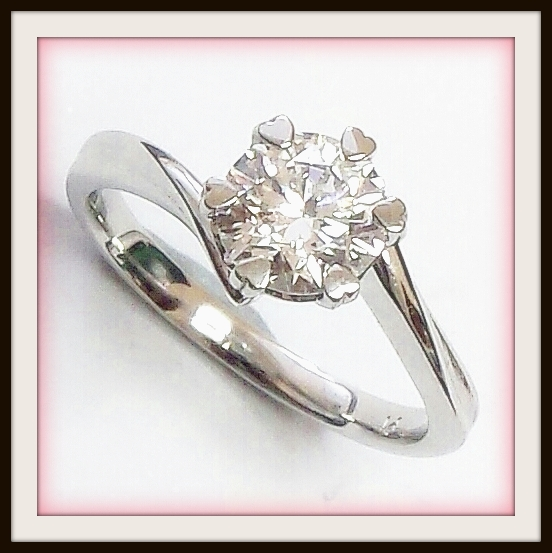 1.07ct EVVS2 Round Brilliant Cut Custom Platinum Engagement Ring Love