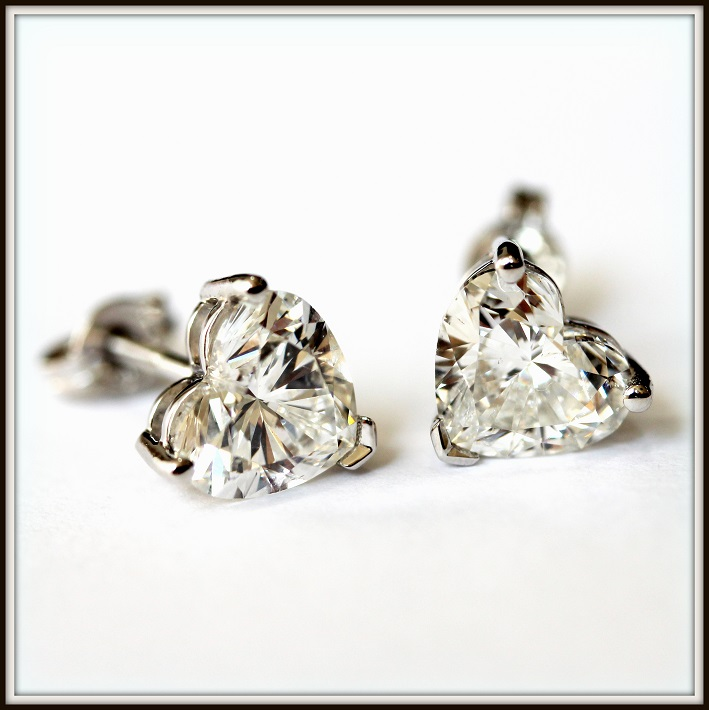 2ct FSI1 Matching Heart Shape Diamond Studs