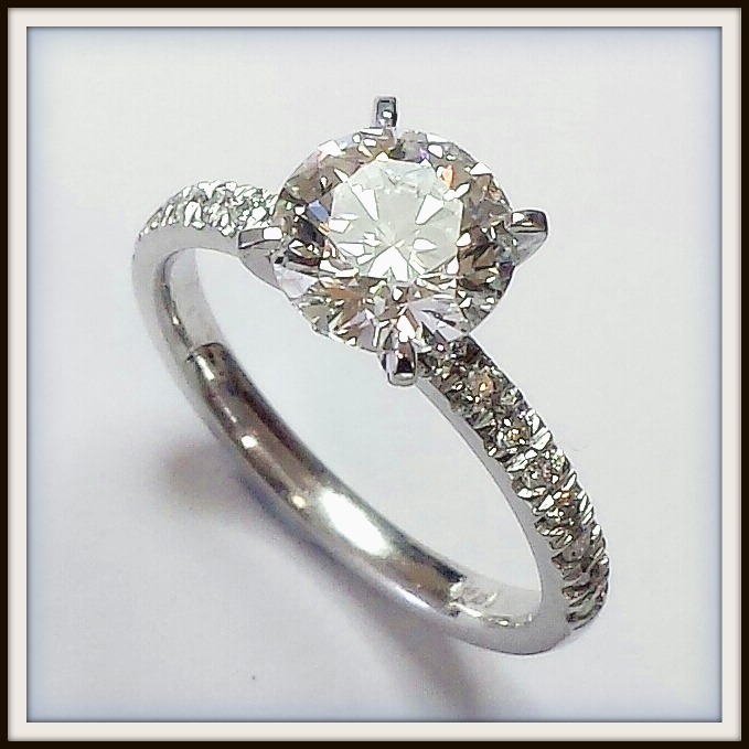 Flawless Diamond 18ct White Gold Diamond Engagement Ring Custom
