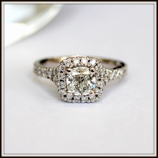 1ct FVS1 Square Cushion Cut Diamond Split Shank Round Brilliant Cut Diamonds Engagement Ring