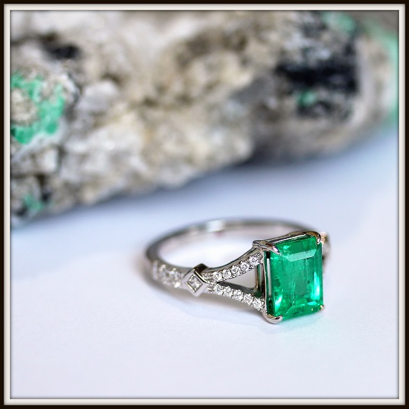 Natural Colombian Emerald Brilliant Cut Diamond Ring Custom Jewellery Torres Jewel co